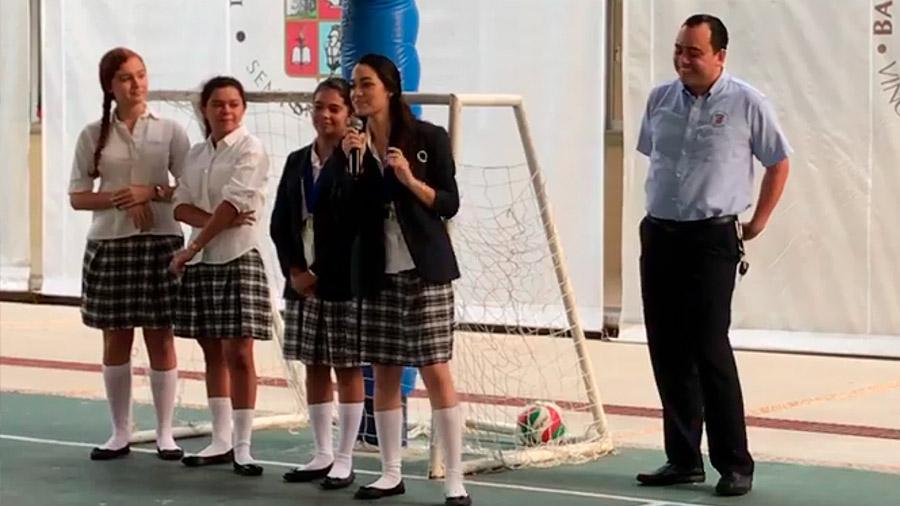 Mexicanas ganan medallas de oro en concurso de robótica