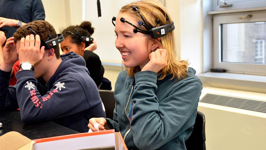 Los cerebros de los alumnos se sincronizan durante una clase
