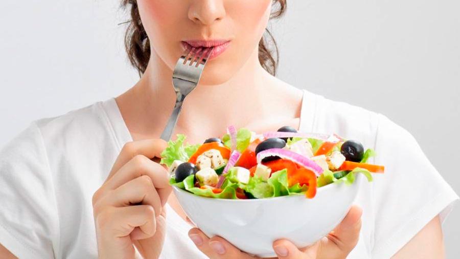 ¿Por qué nos preguntamos si es segura una dieta vegana?
