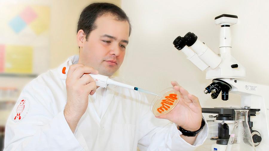 Logra investigador mexicano fusionar metales para combatir bacterias dañinas