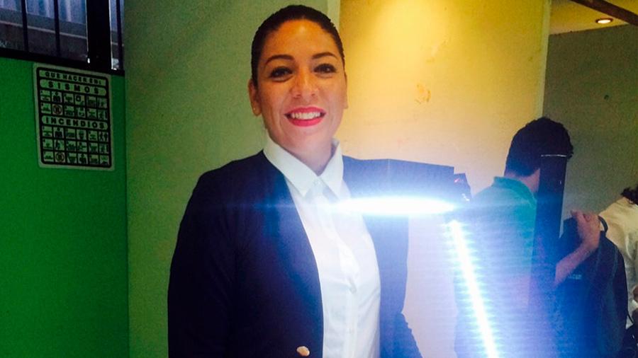Crea una mexicana luminaria solar de 4 kilos para abastecer energía a comunidades rurales