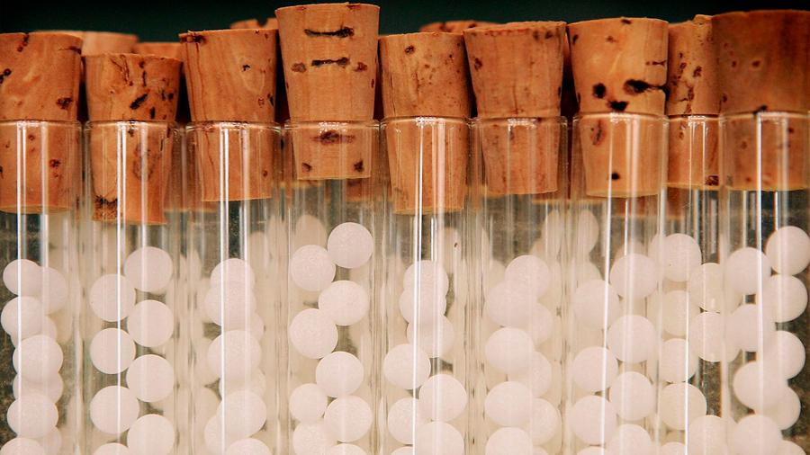 """La Real Academia de Farmacia alerta de que """"la homeopatía puede poner en riesgo la salud"""""""