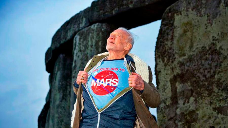 El astronauta Buzz Aldrin presenta su plan para que el hombre llegue a Marte en 2039