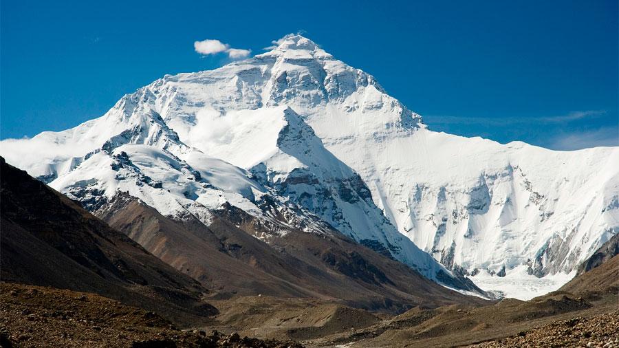 """¿Se """"achicó"""" el Everest tras un terremoto de 2015? Científicos inician mediciones del posible cambio"""
