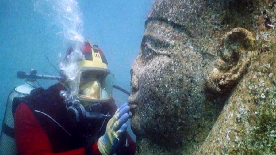 Tesoros extraídos de ciudades submarinas de Egipto resucitan el mito de Osiris