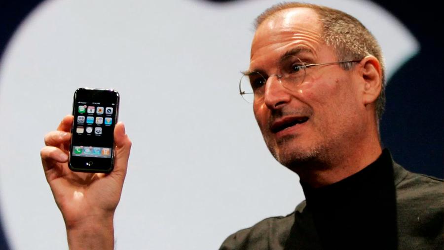 El iPhone se habría creado por una historia de odio de Steve Jobs