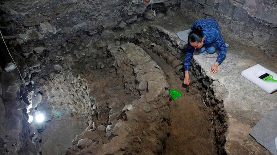 Descubren los restos del altar azteca que aterrorizó a Hernán Cortés