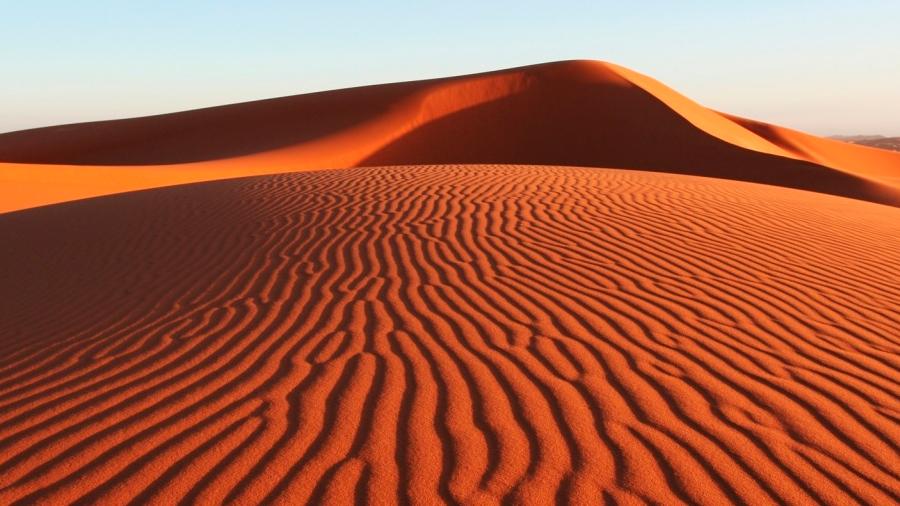Por qué las dunas de Chile y Marruecos producen extrañas melodías en el silencio del desierto