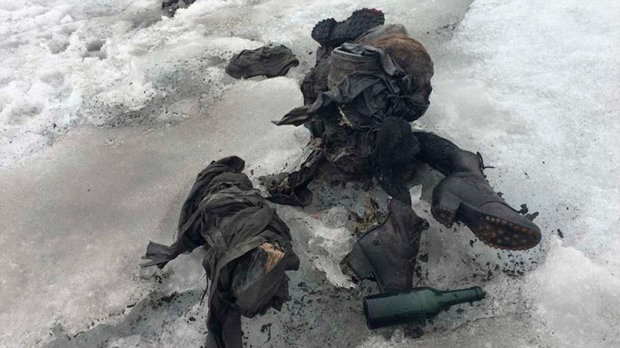 Un glaciar devuelve intactos los cadáveres de una pareja fallecida hace 75 años en los Alpes suizos