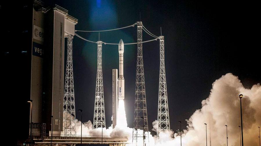 Lanzados dos satélites de observación de la Tierra