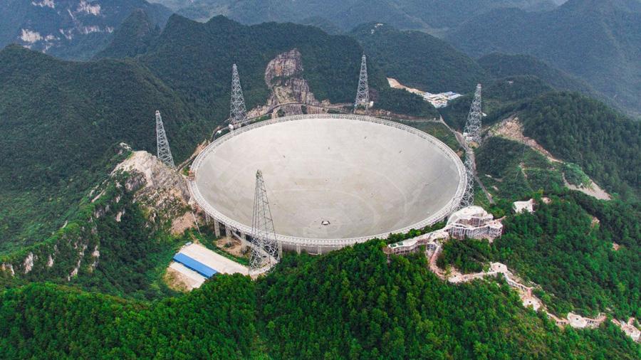 China no logra encontrar un científico para dirigir el mayor radiotelescopio del mundo