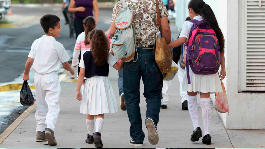 Necesitamos garantizar que no exista cobro de cuotas en mas escuelas: Pablo Escudero