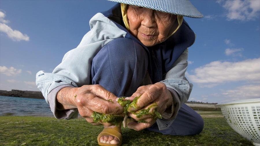 Los secretos de 5 de los países del mundo en los que la gente vive más tiempo