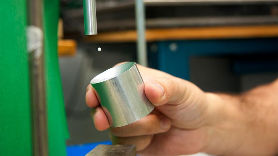 Ya podemos, en casa, hacer levitar en el aire pequeños objetos sólidos o líquidos