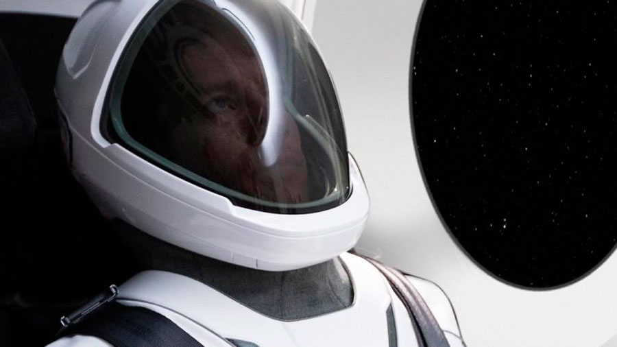 SpaceX ha desvelado el diseño de su traje espacial, y parece salido de una película de ciencia ficción