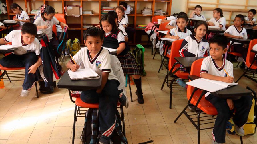 En México sólo 16 de cada mil niños serán profesionistas