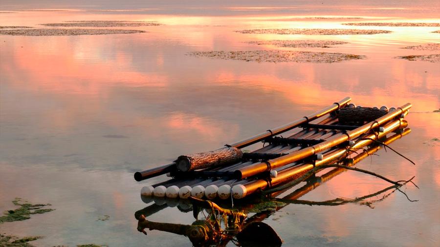 Entrena tu mente: ¿Cómo cruzar el río con una balsa que resiste poco peso?
