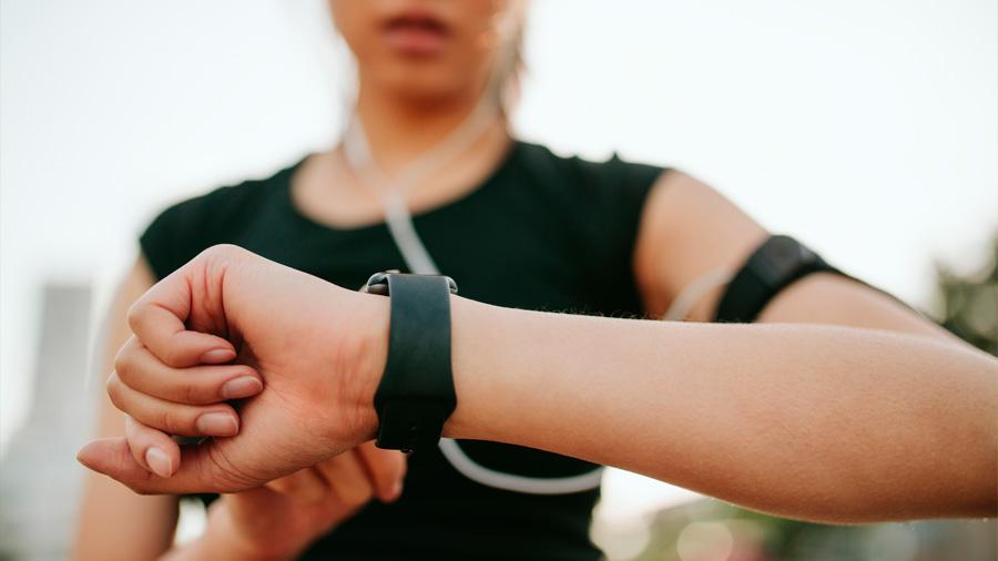 Algoritmo que permite a relojes inteligentes hacer un seguimiento de toda la actividad física del usuario