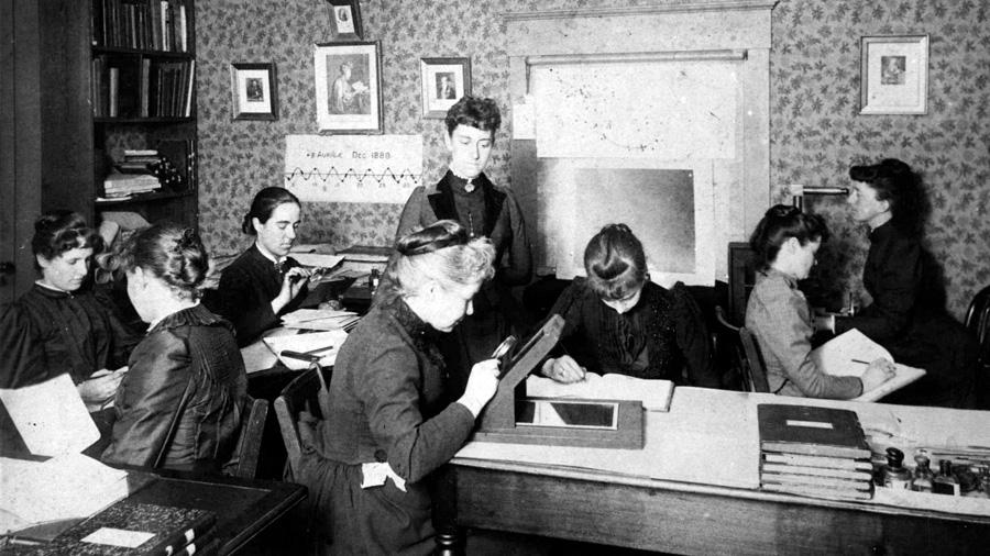 """""""Las mujeres lograron objetivos científicos antes de poder votar"""""""