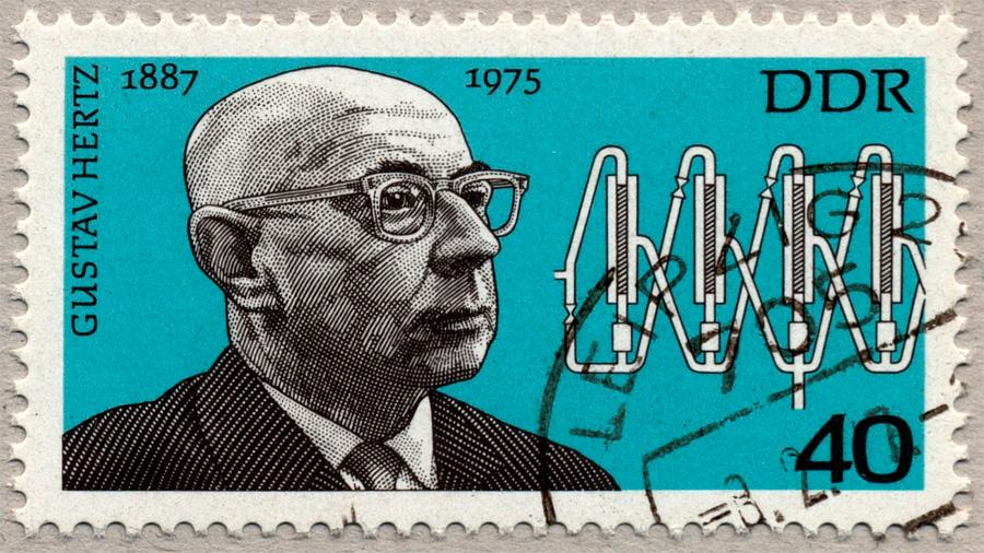 Gustav Hertz, el físico que ayudó a confirmar la teoría cuántica