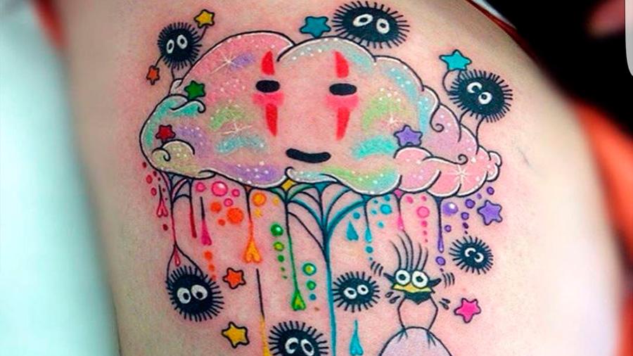 Las nanopartículas de los tatuajes por todo el cuerpo
