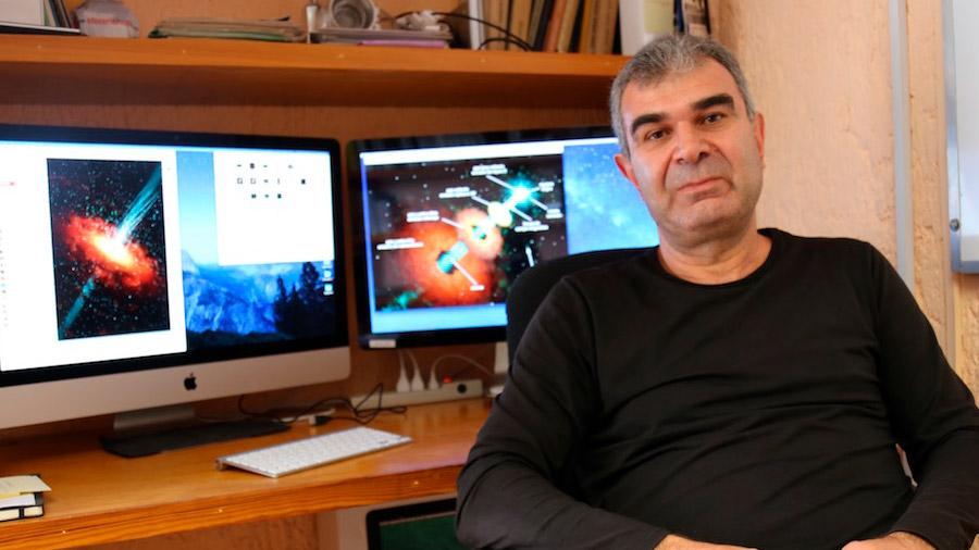 Astrofísico mexicano lidera proyecto internacional que hace un descubrimiento en una radiogalaxia