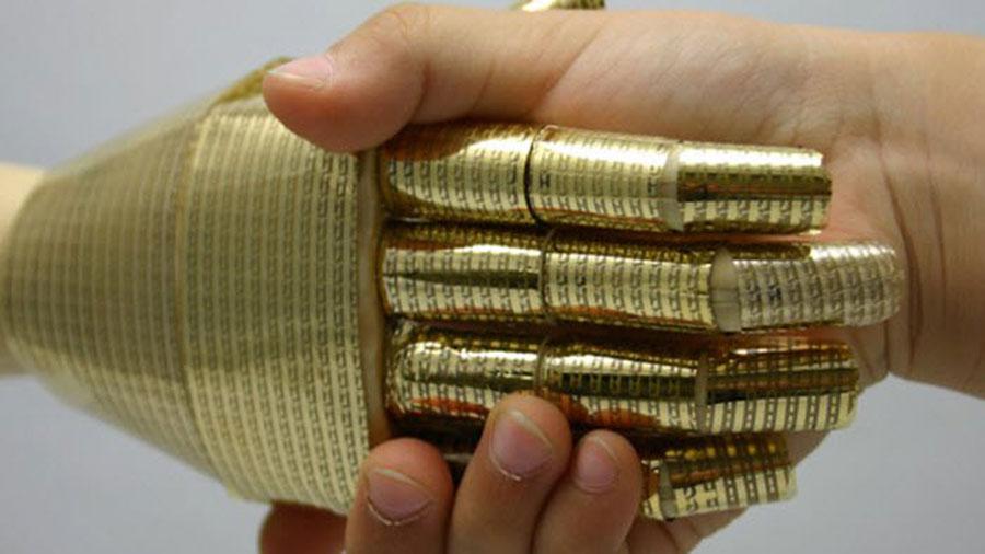 Diseñan piel artificial que puede dar sentido del tacto a los robots
