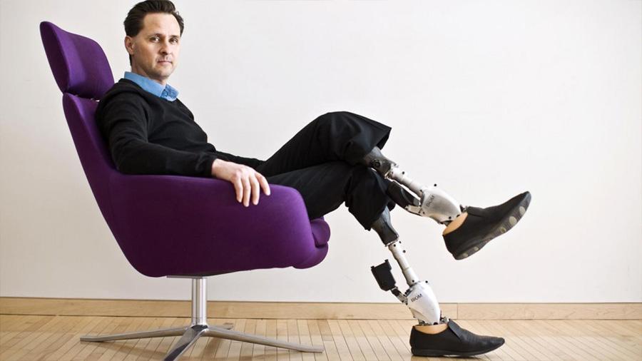 De reconocido escalador a experto en bioingeniería: así ha evolucionado la vida de Hugh Herr, el 'príncipe biónico'