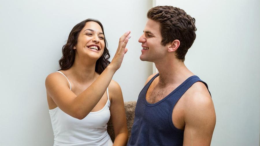 No sólo amor: las parejas que viven juntas comparten hasta las bacterias de la piel