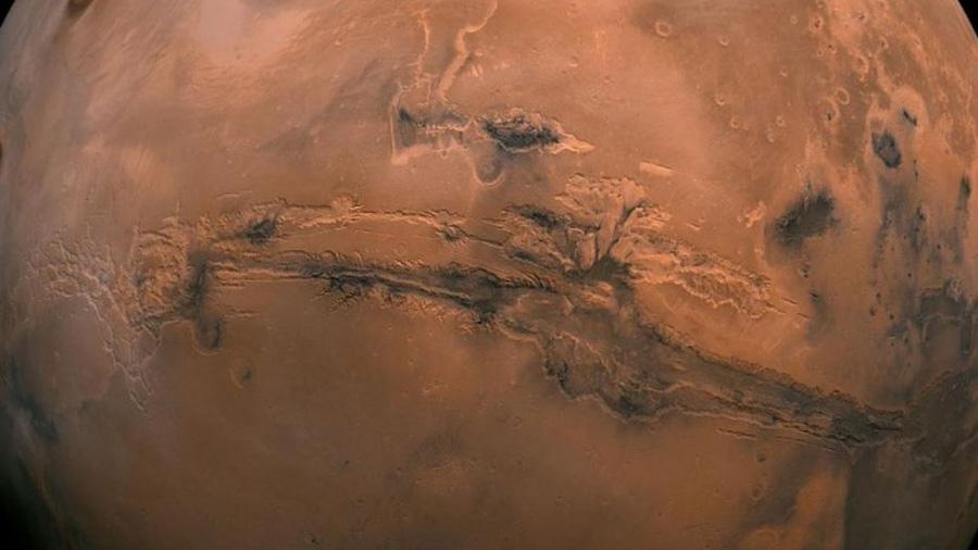 Más evidencia de agua en Marte