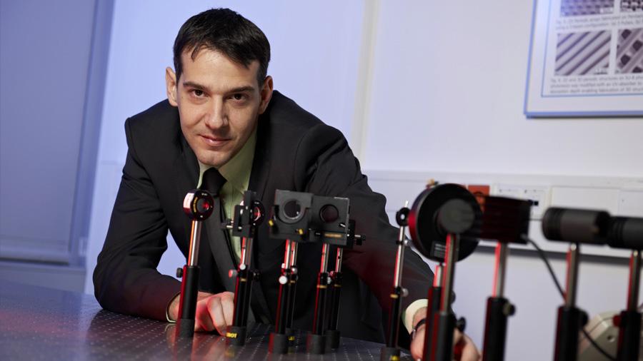 El argentino que brilla en Europa por sus aportes en ingeniería de materiales