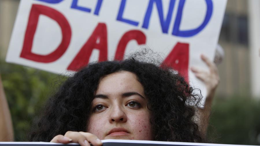 Una batalla interminable: así viven los inmigrantes sin papeles mejor preparados del sector tecnológico