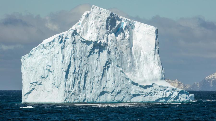 Nuevas formas en que el agua helada responde al cambio de temperatura