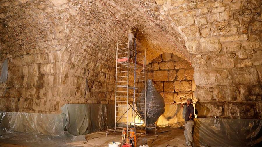 """Israel descubre un """"teatro oculto"""" desde hace 1.700 años bajo el Muro de los Lamentos"""