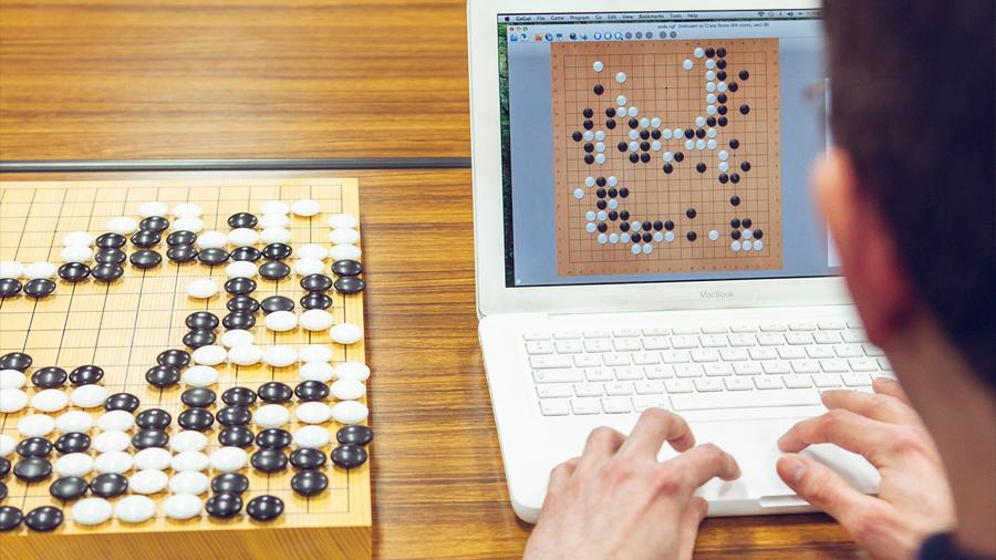 Una inteligencia artificial aprende sola desde cero el juego más difícil
