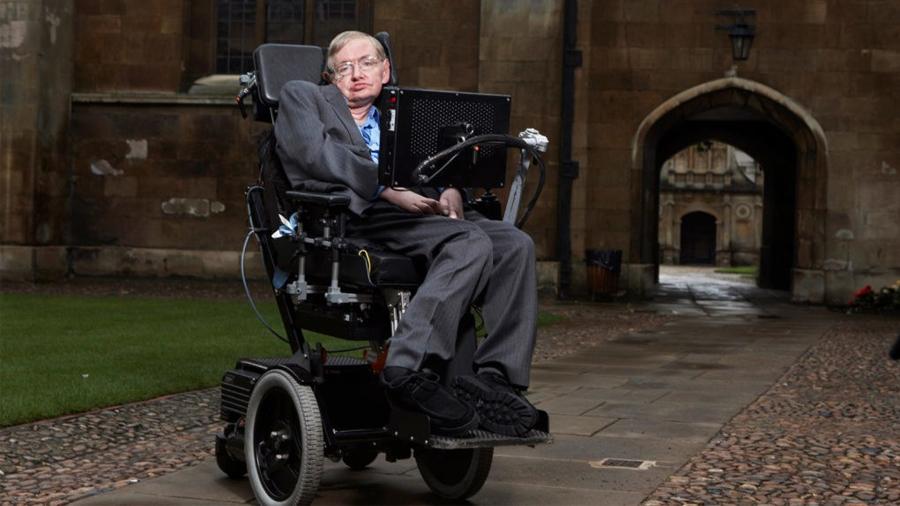 Stephen Hawking publica su tesis doctoral y colapsa el sitio web de la Universidad de Cambridge