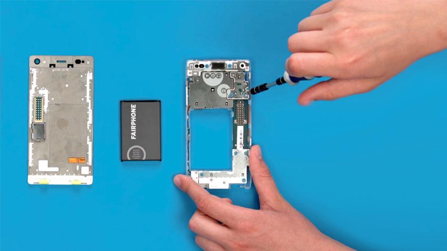 ¡Larga vida al móvil reciclable y reparable!