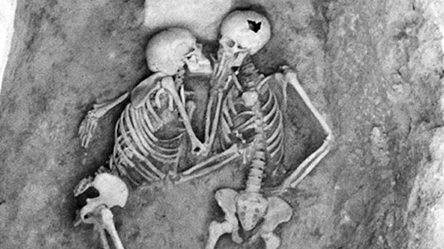 El misterio de los amantes de Hasanlu que han estado besándose durante 2 800 años