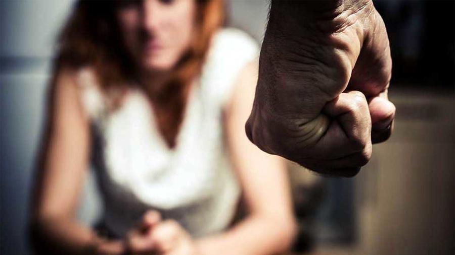 Los científicos buscan entender por qué los hombres violan