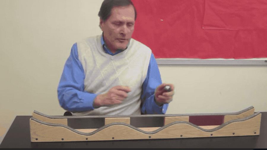 Las asombrosas maquetas caseras de este profesor te enseñarán física casi sin que te des cuenta