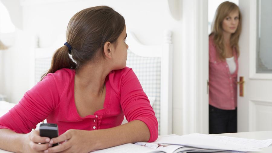 Cómo y cuándo ponerle límites a la relación de tus hijos con la tecnología