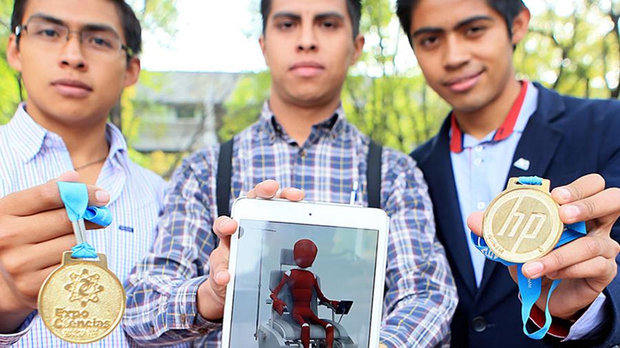 Estudiantes mexicanos crean silla de ruedas todo terreno