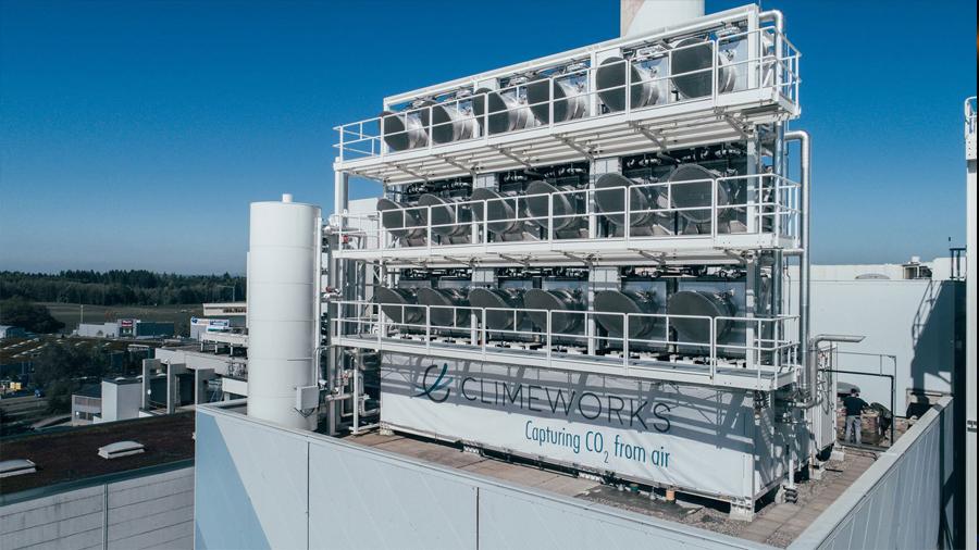 La máquina suiza de vanguardia que puede absorber CO2 de la atmósfera y transformarlo en un producto útil