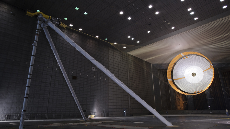 Mira cómo la NASA prueba un paracaídas supersónico en este impresionante video