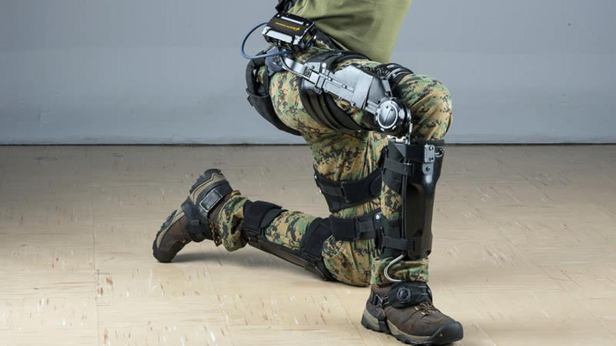 Desarrollan un exoesqueleto que permite a los soldados llevar mucho más equipo y armamento sin esfuerzo