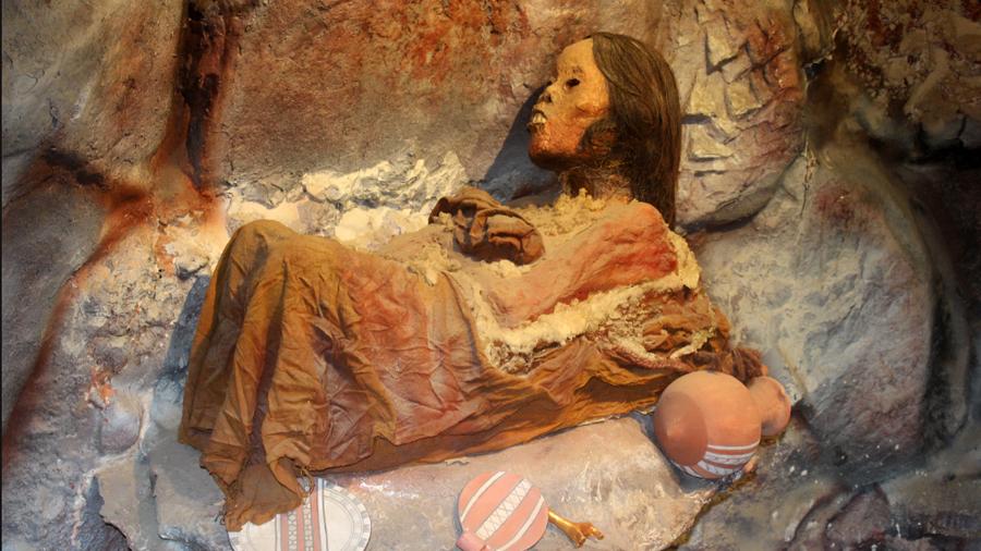"""Momia Juanita, """"la niña del los hielos"""" de Perú, sigue maravillando al público"""