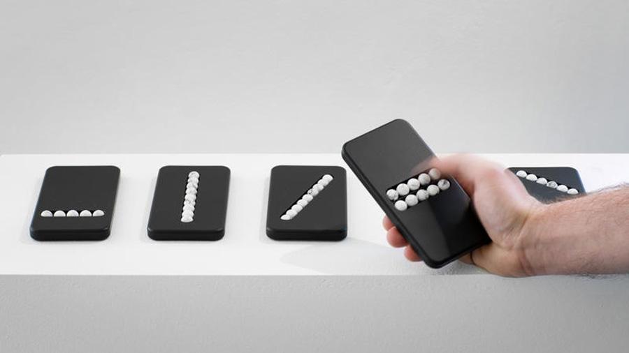 Estos móviles prometen acabar con tu adicción a los smartphones