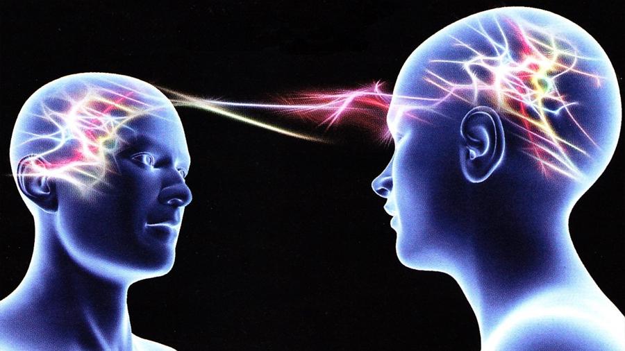 Descubren que nuestros cerebros se sincronizan entre sí para que cooperemos ante ataques terroristas y desastres naturales
