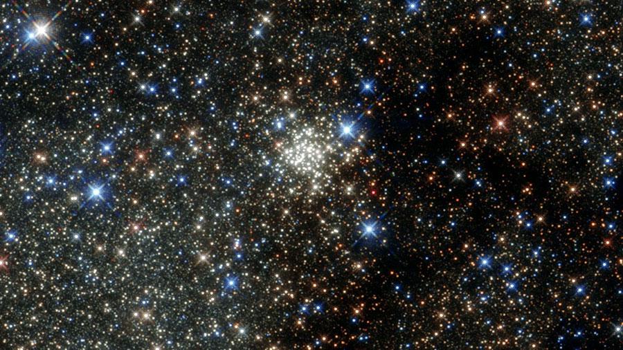 Matemáticos explican la aceleración cósmica sin considerar a la energía oscura
