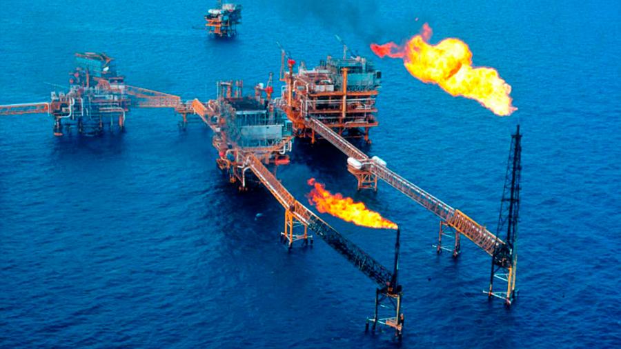 Estrategia de coberturas petroleras, genera beneficios a las finanzas públicas, señala el IBD